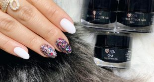 With the combination of white and glitter, you can never go wrong (Viel