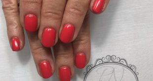 Classi Red Short Nails