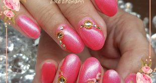 Studio nails in pink
