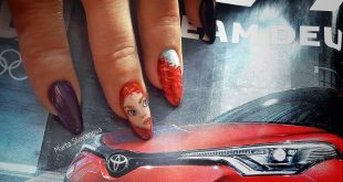 My favorite manicure Turn the carousel ... ,                   Regensburg, G
