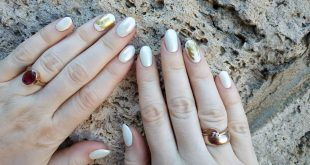 Your grace, summer Shellac coating. Design rubs pink beads, foil.