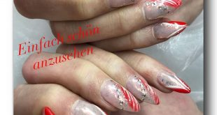 Here is the photo for the last nail video. Complete on the cover gel the Flakes Pi
