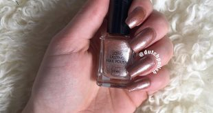 Swatched out this beautiful polish; Thursday thrill ~~~~~~~~~~~~~~~~~~~~~~~~~~~