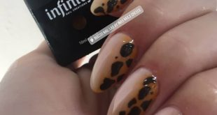 Animal print, special nails for special girls.