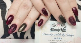 Another set of ⒷⓊⒷⒷⓁⒺ ⓃⒶⒾⓁⓈ with metallic dark burgundy and black&gold gel polis