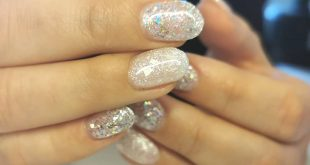 Beautiful winter nails from the new champagne and caviar collection. These look