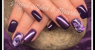 Purple mood nails