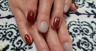 Today's nail day  Moist in Bordeaux.