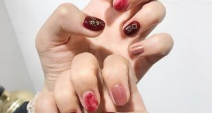 Warm, red nail tone - a color that should not be missed this year in autumn and winter colors ----------