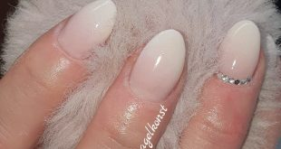 Nail extension with Oulac Jelly Gel 004. Painting with Oulac gel paint color. Clearance
