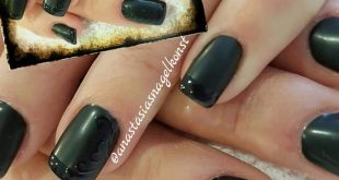 Nail extension with Acrylic. Painting with Oulac gel paint color DS049. End with Ou