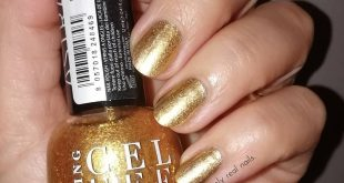 Simply gold nails. I used:  good as gold and  gel effect no. 100