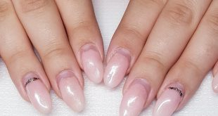 After 4 weeks, completely new construction, on natural nail, I'm very happy to Great Far