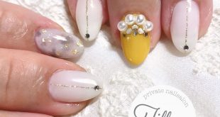 . Customer nail Sphere pearl accents mustard yellow Autumn-like and cute Thank you very much . .