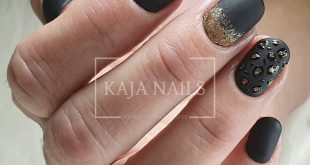 Reinforcement natural nail with GP02, mat, glitter and handpainted nail art