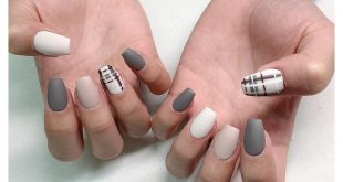 Gray-Beige Matte Nails by