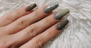 Mudy Mood & Green Whisper and of course a bit of glitter Heavy Glitter Silve