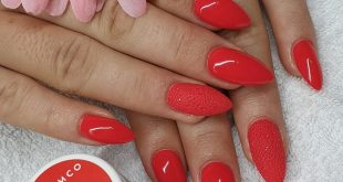 IT'S NEVER WRONG TO WEAR RED  . Nails made by:   . Products used: Bonding B25 e