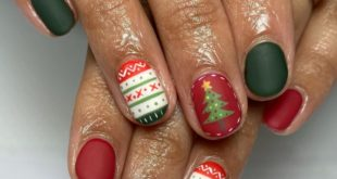 I really like everything about them! Christmas on nails • • • The client inspires