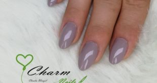 Nude mood It is important to many customers that their nails look natural. To