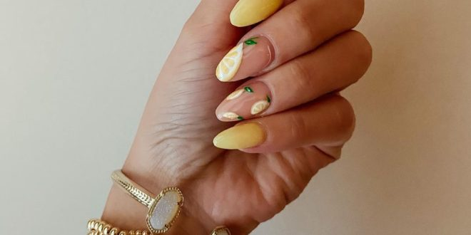 When life gives you lemons ... Put them on your nails! Save this post for your