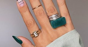 Dark green for autumn What color should my nails be next? • Nails one by one and